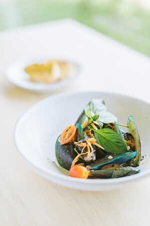 With over 20 years of experience under his belt, SUAY's Chef Noi's creative twist on Thai cuisine has earned him accolades for his bold, sassy balance of flavours and tastes, and his unique take on Asian and global culinary styles.