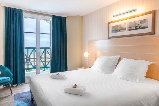 Chambre double vue mer - Picture of SOWELL Hotels Le Beach, Trouville-sur-Mer - Tripadvisor