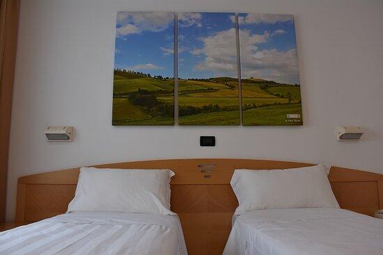 Ecco la nostra camera King completamente rinnovata a marzo 2021 , con tutto lo spazio di cui avete bisogno per passare un ottimo soggiorno nel nostro Hotel - Picture of Hotel Portavaldera, Peccioli - Tripadvisor