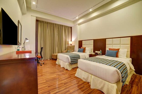 Ramada by Wyndham New Delhi Pitampura, hoteles en Nueva Delhi