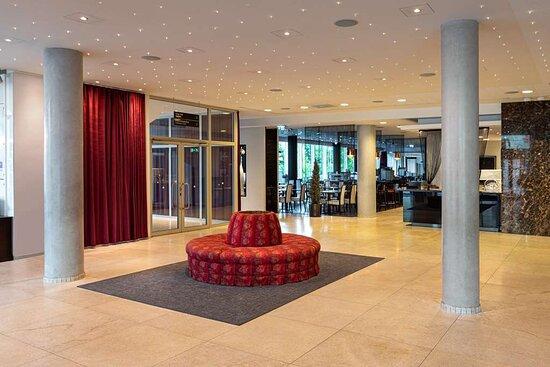 Park Inn by Radisson Meriton Conference & Spa Hotel Tallinn, hoteles en Tallin