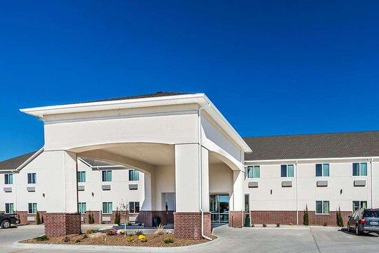 Days Inn & Suites by Wyndham El Dorado