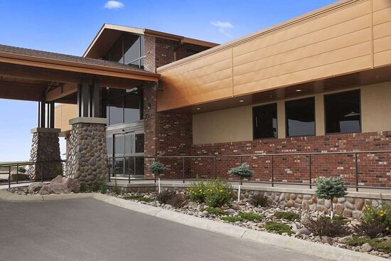 Conrad, MT: Exterior with Landscaping