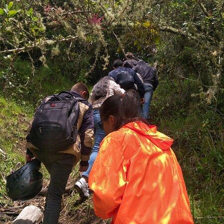 Samaca, Colombia: Ruta mirador san José Cuevas y senderismo  En el santuario de pataguy que buena ruta y maravillosos paisaked