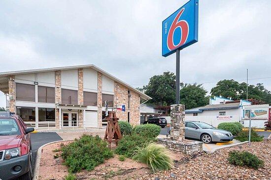 Motel 6 Boerne