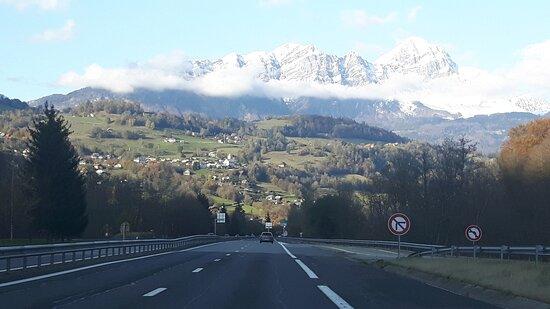 On the road entre Albertville et Faverges