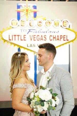 Las Vegas Wedding at The Little Vegas Chapel Resmi