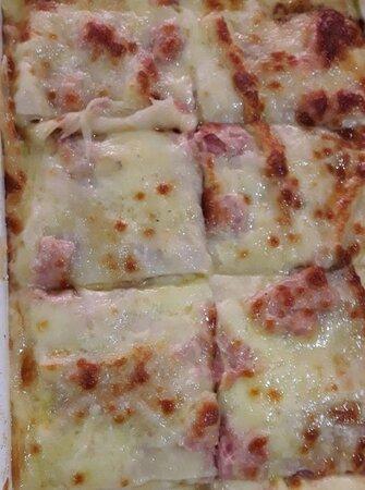Grande variedade de massas italianas. Massa fresca, de produçao própria (artesanal)Lasanha, rondele, caneloni, ravioli, capeletti, espaguete
