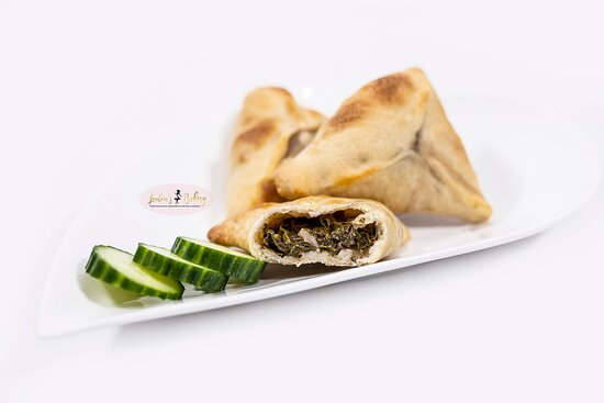 small spinach pies