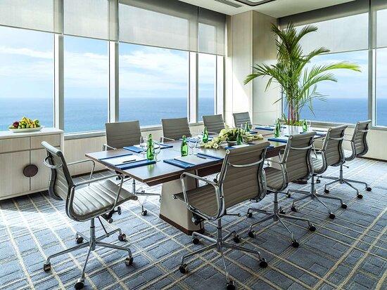 Horizon Club Boardroom