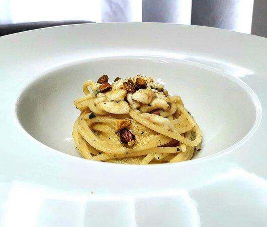spaghetto di Gragnano DOP con sugo di sogliola e pistacchi
