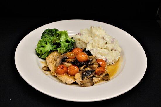 Hunter Chicken: Chicken breast sauteed with white wine & mushrooms