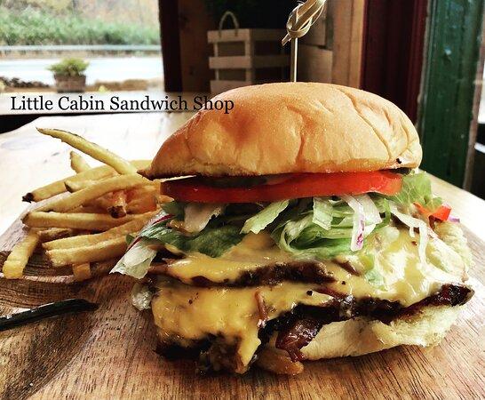 """Cortlandt Manor, NY: Smoked Brisket """"Burger"""""""