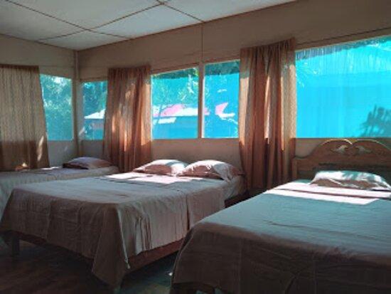 Mazan, Peru: habitación  triple