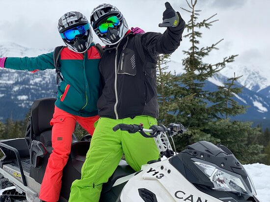 Callaghan Cruiser Snowmobile Tour: Fun up in the mountains - Callaghan Valley Snowmobile Tour