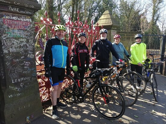 Liverpool City Center Small-Group Bike Tour: Strawberry Field