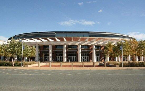 Hampton Inn and Suites Charlottesville - At The University