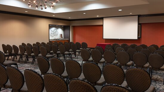 Host your Conference in one of our fully-equipped Meeting Rooms.