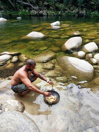 Ngana Julaymba Dungay - Full Day: Cooking at the Mossman Gorge