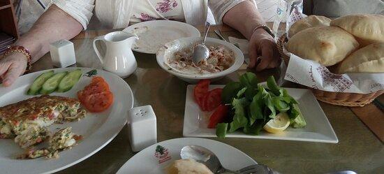 Breakfast at Al Meshwar - not to be missed.