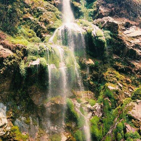 Martam, India: Changay waterfalls at East Sikkim.