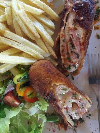 Pollo Cordon bleu, presentación fantastica, sabor yummy :-)