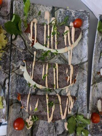 Tacos mexicanos pastor (solomillo de cerdo marinado en achote y chiles con piña caramelizada)