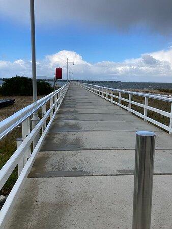 Port Welshpool, Úc: Walking On