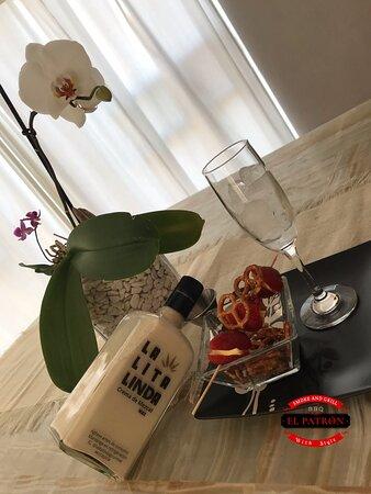 Crema artesanal de mezcal sabor nuez, chai latte, café, coco y mazapán ✨