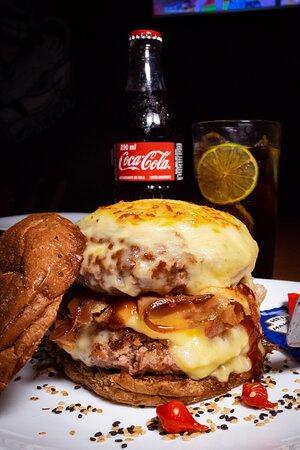 Burger Especial Bruttu's com dois blend's de 200g!