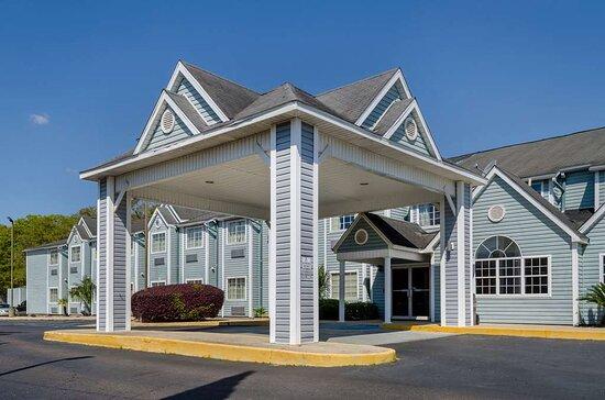 Motel 6 Mobile, AL