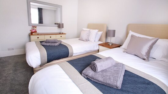 The Burrow, self-catering house sleeps 6 in three bedrooms - one double room and two twins.