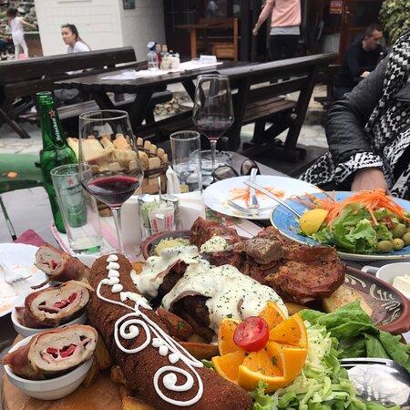 Lazarevac, Serbia: Restoran Babina reka Vrhunska usluga, hrana i ugodjaj