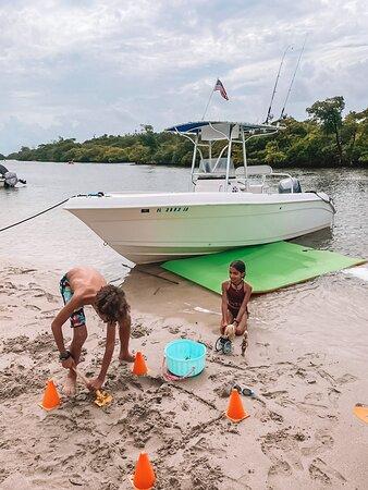 Dania Beach, FL: Family friendly! =)