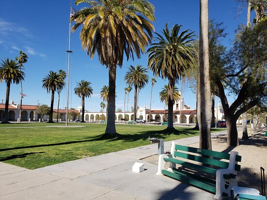 The beautiful spacious town plaza across the street from Tacos El Tarasco in Ajo.