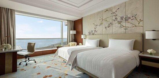 Deluxe Seaview Room Twin