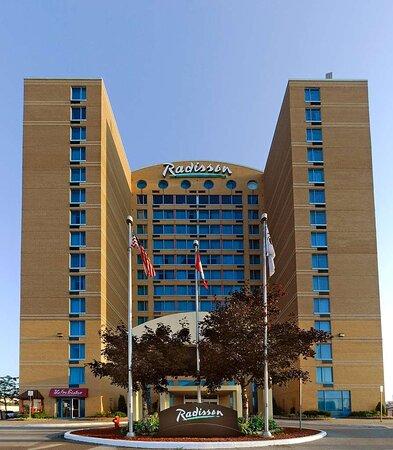 Radisson Suite Hotel Toronto Airport, hoteles en Toronto
