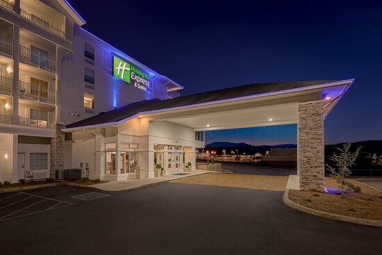 Welcome to the Holiday Inn Express Pigeon Forge - Sevierville