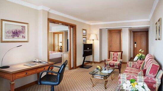 Bosphorus Suite Living Room