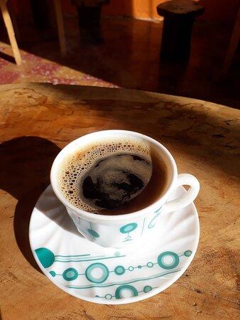 Aroma y suavidad de un buen café americano, sacado a 15 bares de presión.