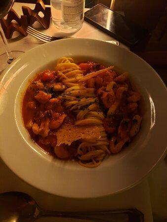 Excelentes opções! Spaghetti al Mare e Antepasto Toscano...