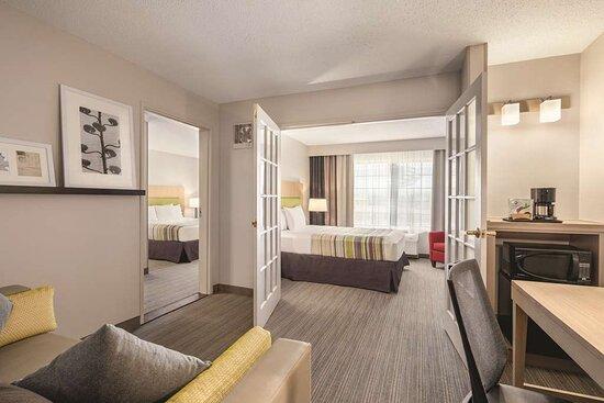 2 Bedroom Suite-King Bed-Queen Bed