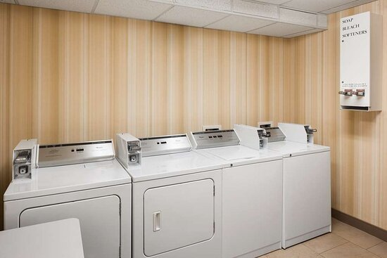Rossford, Ohio: Guest Laundry
