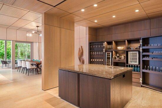 Two Bedroom Beach Suite - Kitchen