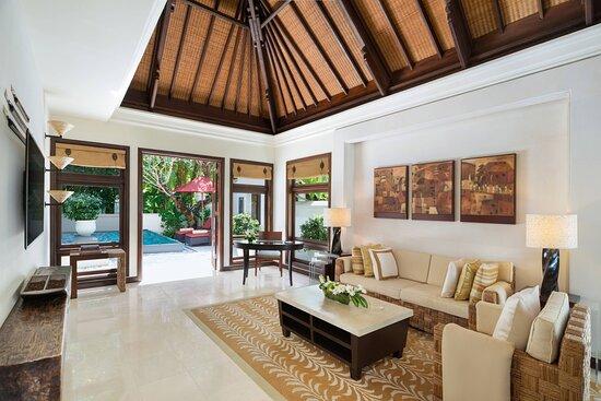 Hibiscus Villa - Living Room