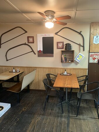 Smithfield, ME: Enjoy a meal in our comfortable, rustic, sitting area.