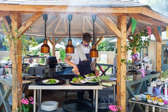Grayshott, UK: Garden Kadai Dining