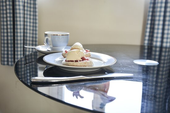 A cream tea will welcome you to your holiday!