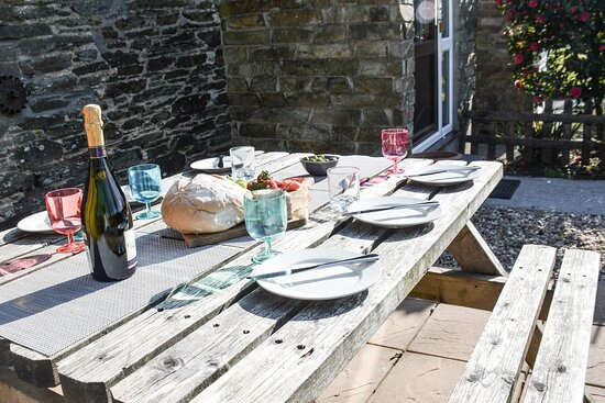 Outdoors at Fowey Cottage