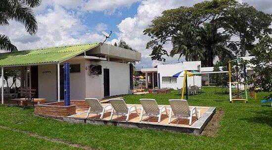 Pueblo Tapao, Colombia: Llama y cotiza por nuestros paquetes turísticos en el quindio, planes todo incluido, servicio de transporte con ingreso a los sitios turísticos nos pueden escribir o llamar al 3106805667 & 3022280808